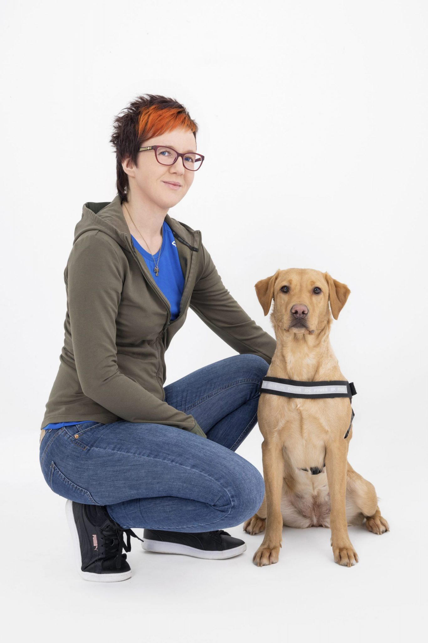 Suvi Pitkänen ja hänen koiransa